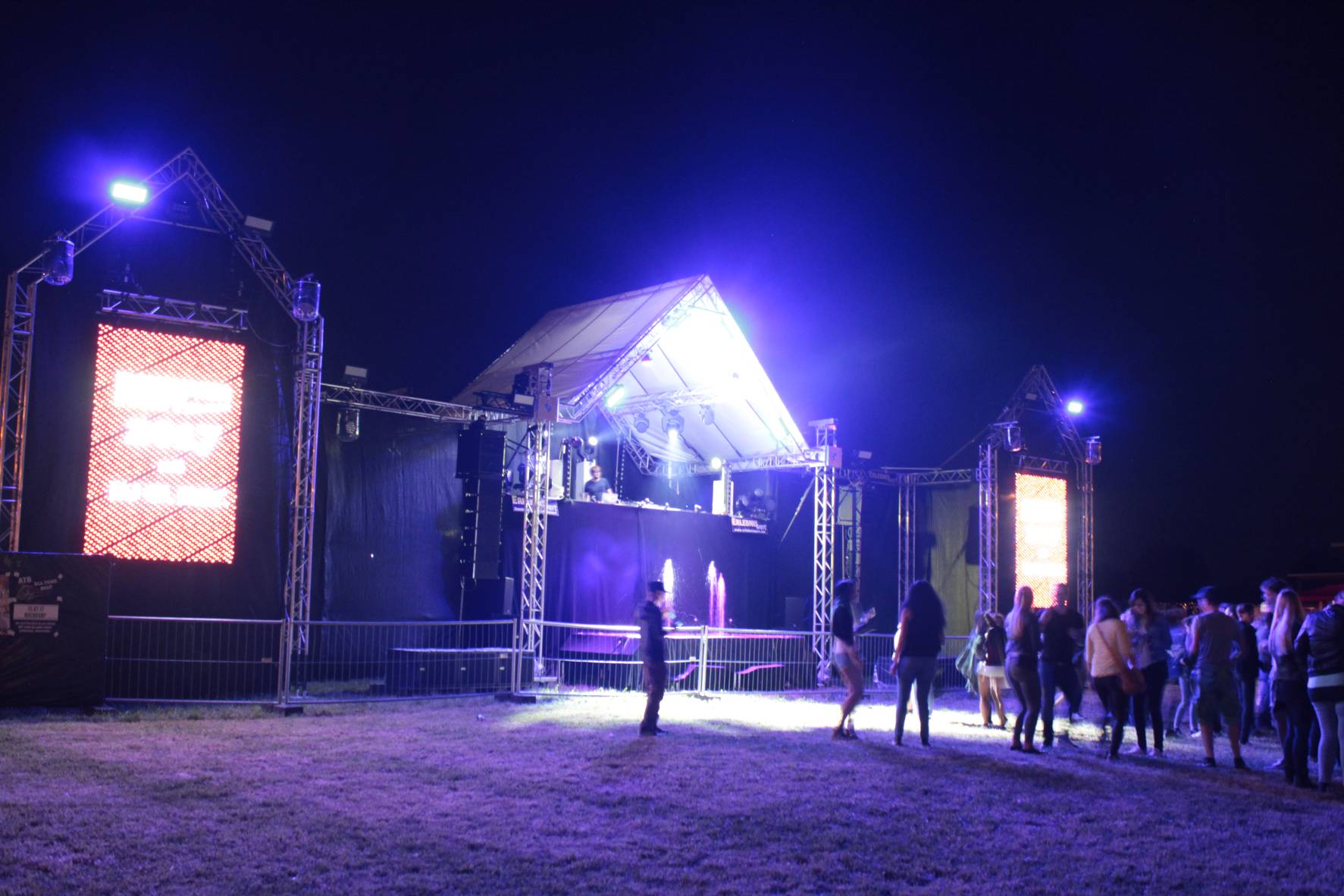 LED-Wand; Lightshow; Wassershow; Donauwörth; Festivalbühne; Open-Air
