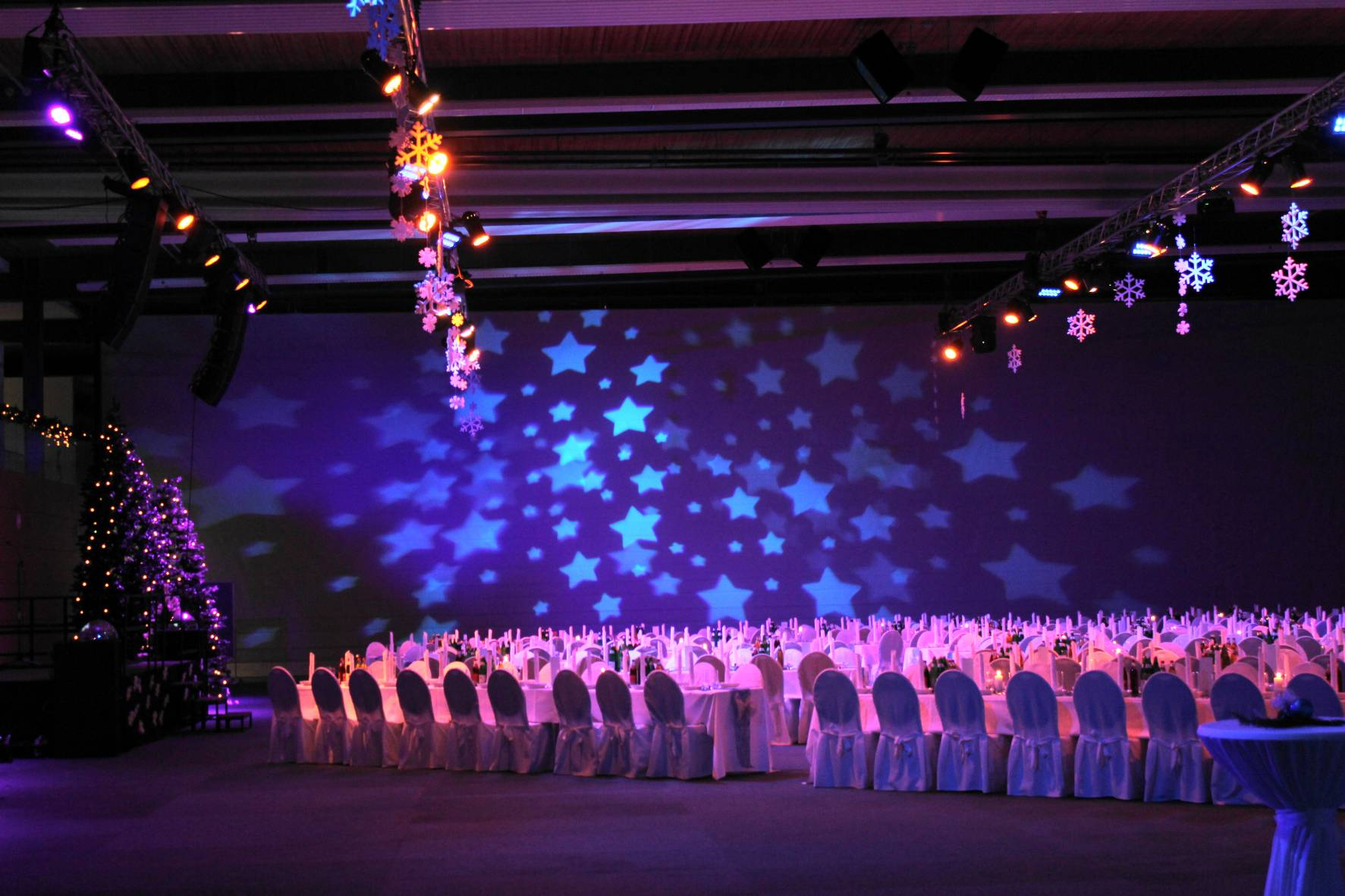 Eventlocation; Gala; Event; Illumination; Turnhalle; Eventausstattung